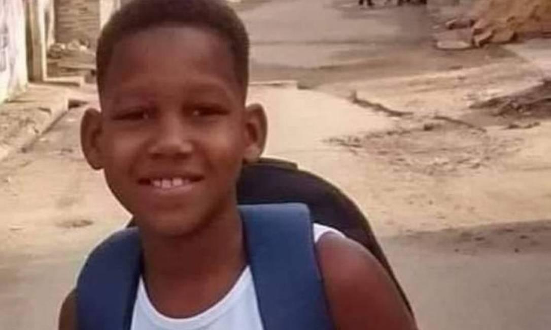 Pequeno Kauã, de apenas 11 anos, foi baleado em Bangu quando andava de bicicleta, segundo parentes Foto: Reprodução