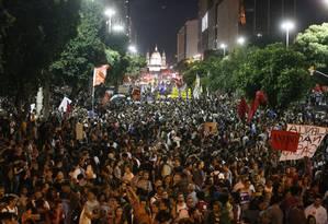 Manifestação na Avenida Presidente Vargas, no centro do Rio Foto: Domingos Peixoto / Domingos Peixoto