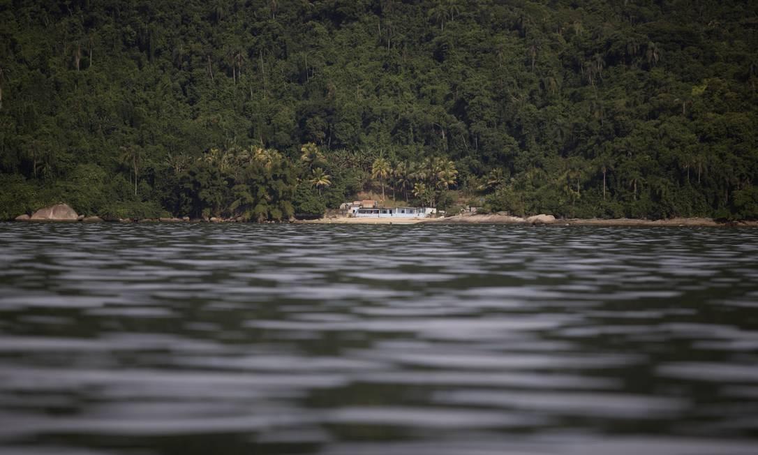 Construção na Ilha do Sandri, a que mais possui casas Foto: Márcia Foletto / Agência O Globo