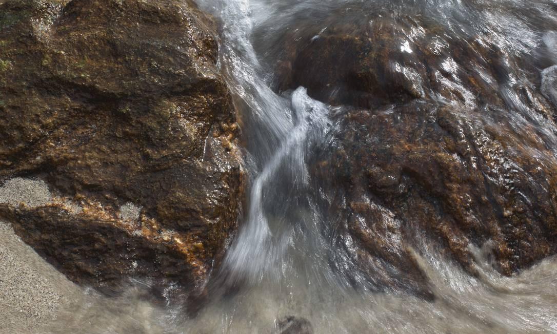 As ilhas são marcadas pela formação rochosa. Na foto, a Ilha Comprida. Foto: Márcia Foletto / Agência O Globo