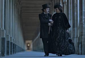 Leonardo Medeiros e Sandra Corveloni em cena do filme