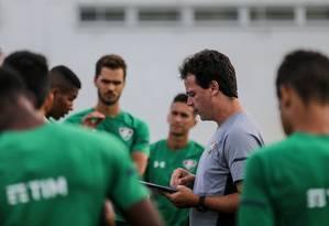 Fernando Diniz: menor espaço às joias de Xerém Foto: Lucas Mercon / Fluminense