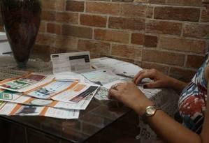 Com desemprego em alta e maior apreensão com a inadimplência, cresce seguro prestamista Foto: Pedro Teixeira