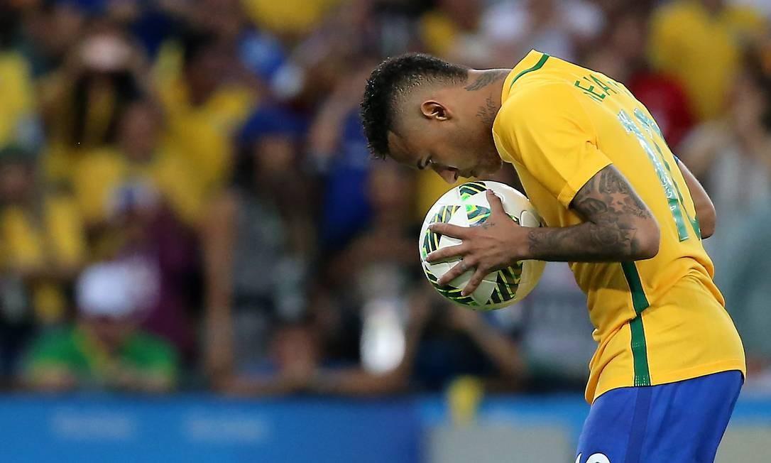 Neymar conquistou, no Maracanã, o ouro olímpico Foto: Marcelo Theobald