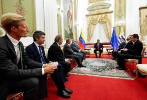 Presidente da Venezuela, Nicolás Maduro se reúne com delegação do Grupo Internacional de Contato, em Caracas Foto: Reprodução/Twiitter