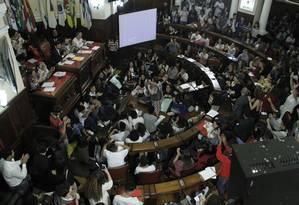 Luta: estudantes e professores lotam plenário e galerias da Câmara de Niterói Foto: Sérgio Gomes / Câmara Municipal de Niterói