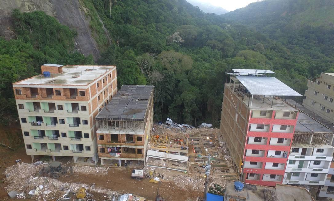 Dois prédios desabaram na Muzema, em 12 de abril, provocando a morte de 24 moradores Foto: Richard Santos/Prefeitura do Rio / Divulgação