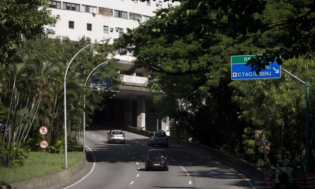 Trânsito segue normal no sentido Barra da Tijuca Foto: Márcia Foletto / Agência O Globo