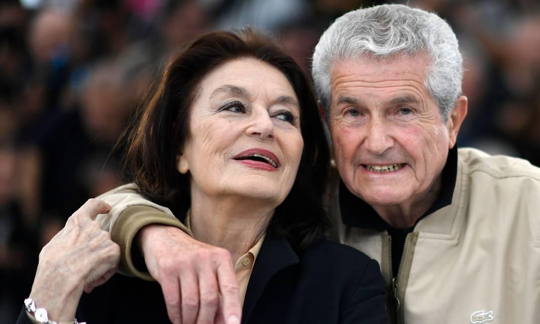 A atriz francesa Anouk Aimée e o diretor Claude Lelouch promovem 'Les plus belles années d'une vie' na 72ª edição do Festival de Cannes Foto: CHRISTOPHE SIMON / AFP