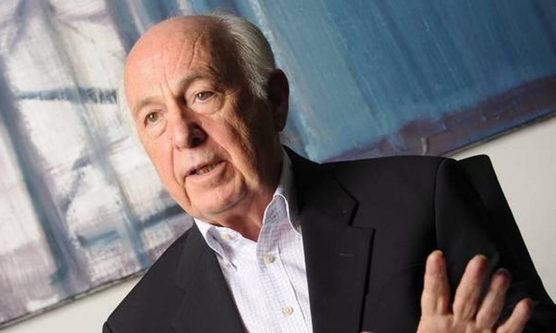 Bresser Pereira foi quem revelou o namoro de Lula Foto: Arquivo / Agência O Globo