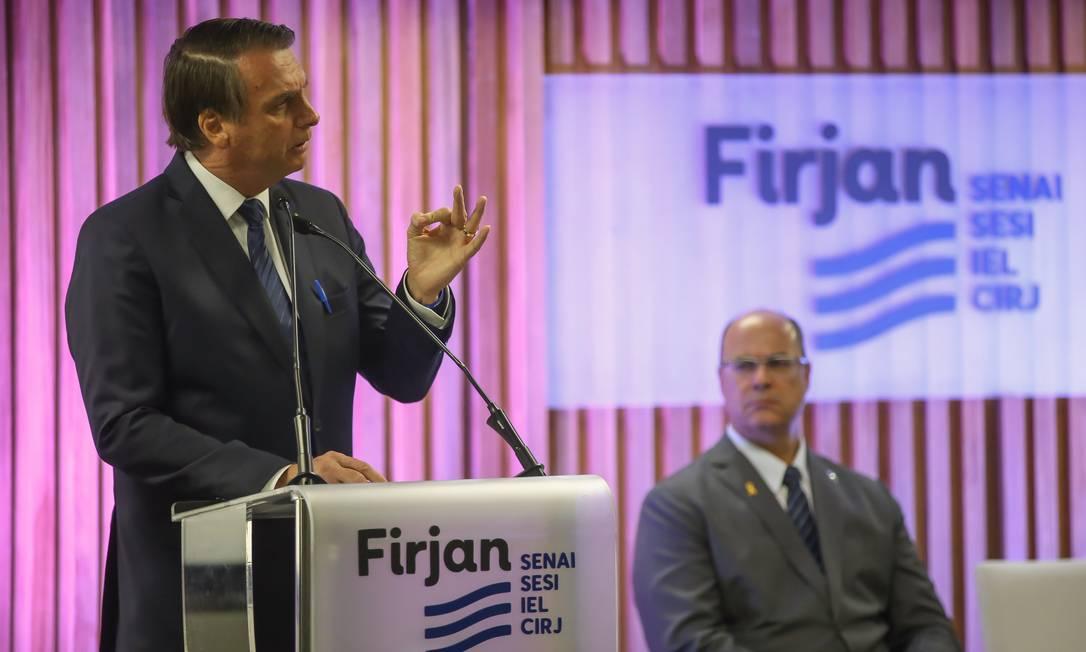 O presidente Jair Bolsonaro recebeu a medalha do Mérito Industrial na Firjan nesta segunda-feira Foto: Marcelo Regua / Agência O Globo