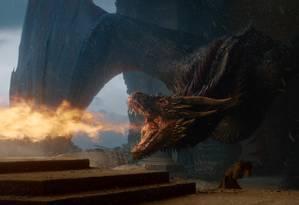 Drogon derrete o Trono de Ferro com seu fogo Foto: Divulgação HBO