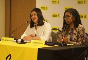 A diretora da Anistia Internacional para as Américas, Erika Guevara-Rosas (à esquerda), e a diretora executiva da Anistia Internacional Brasil, Jurema Werneck ( à direita). Foto: Jandira Queiroz / Anistia Internacional