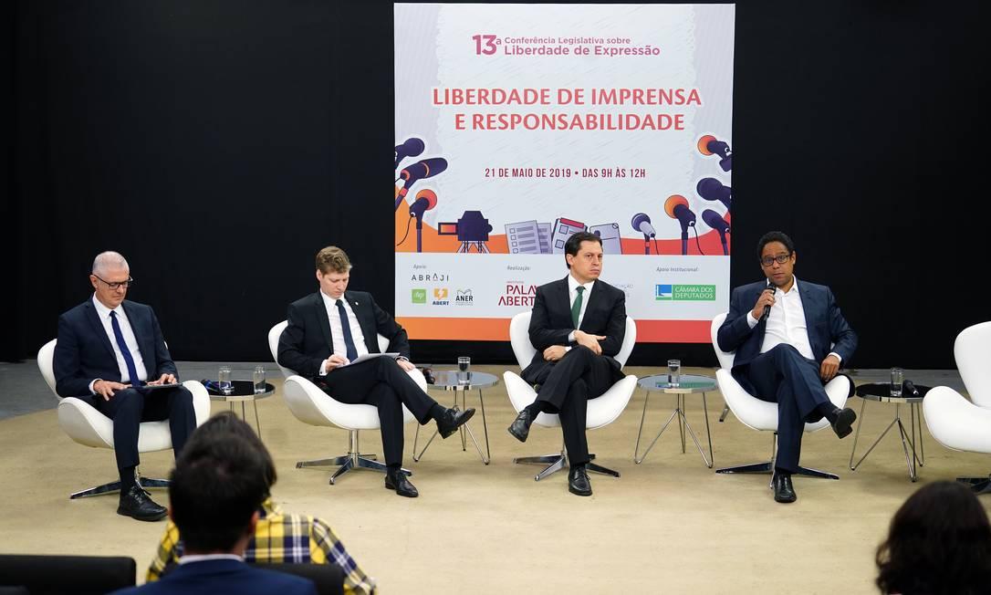 Debatedores na 13ª Conferência Legislativa sobre Liberdade de Expressão Foto: Pablo Valadares/Câmara dos Deputados