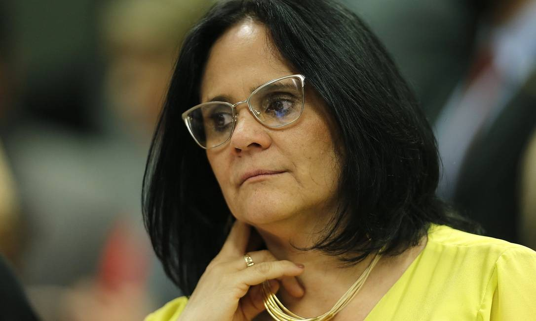 A ministra dos Direitos Humanos, Damares Alves, em evento no dia 10/04 Foto: Jorge William / Agência O Globo