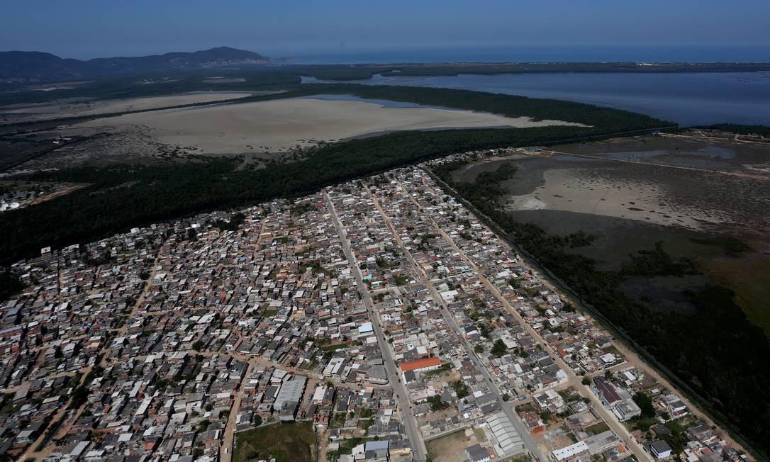 A Favela do Piraquê, em Guaratiba, é dominada por milicianos Foto: Custódio Coimbra / Agência O Globo