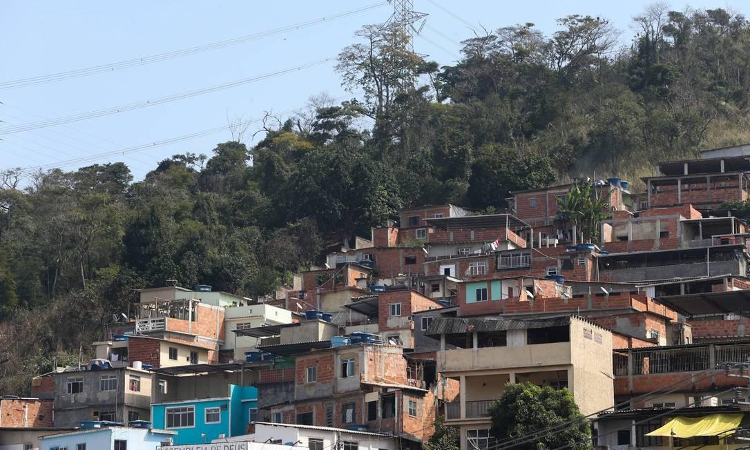 A Comunidade da Chacrinha, em Jacarepaguá, é dominada por milicianos Foto: Pedro Teixeira / Agência O Globo