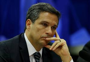 Segundo Roberto Campos Neto, presidente do Banco Central,o nível atual de juros estimula a economia Foto: Jorge William / Agência O Globo