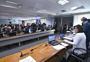 A senadora Simone Tebet (MDB-MS) preside sessão da Comissão de Constituição e Justiça Foto: Geraldo Magela/Agência Senado