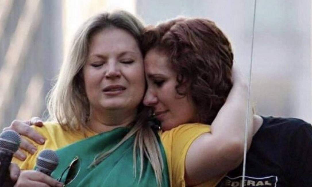 As deputadas federais Joice Hasselmann e Carla Zambelli em um instante caloroso, numa manifestação. Na última semana, as duas brigaram no Twitter. Foto: Reprodução