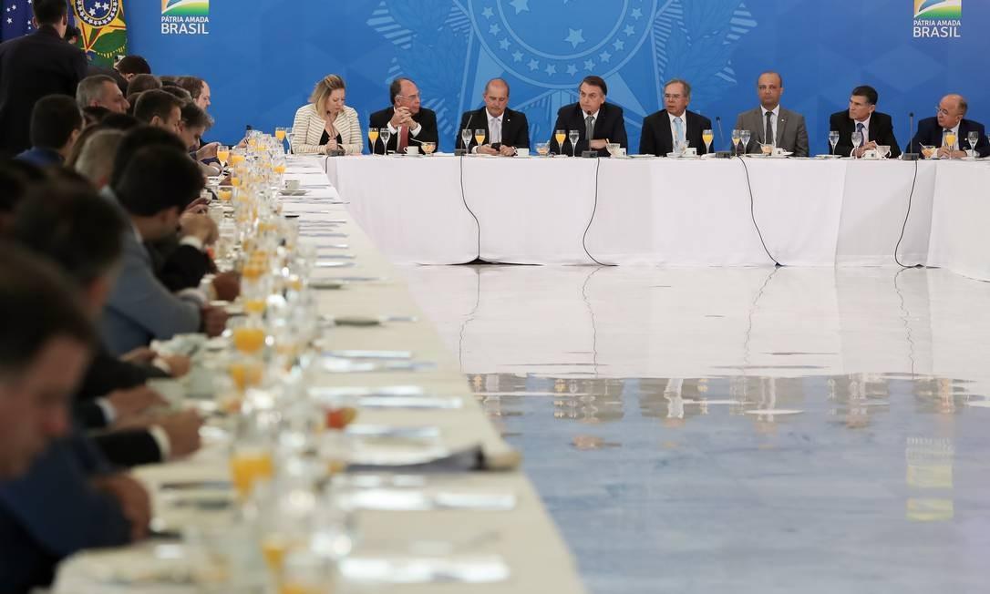 Café da manhã do presidente Jair Bolsonaro e ministros com a Bancada do Nordeste Foto: Marcos Corrêa/PR