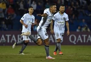 Erik comemora o gol do Botafogo Foto: NORBERTO DUARTE / AFP