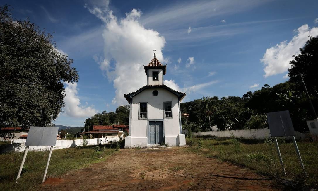 Igreja Nossa Senhora Mãe de Augusta do Socorro. Portas e janelas fechadas preservam o patrimônio religioso, que foi construído em 1737 Foto: Pablo Jacob / Agência O Globo