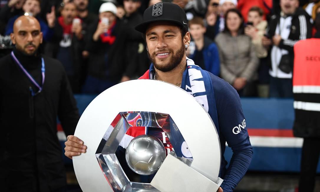 Técnico do PSG afirma que não liberou Neymar do último treino do PSG Foto: FRANCK FIFE / AFP