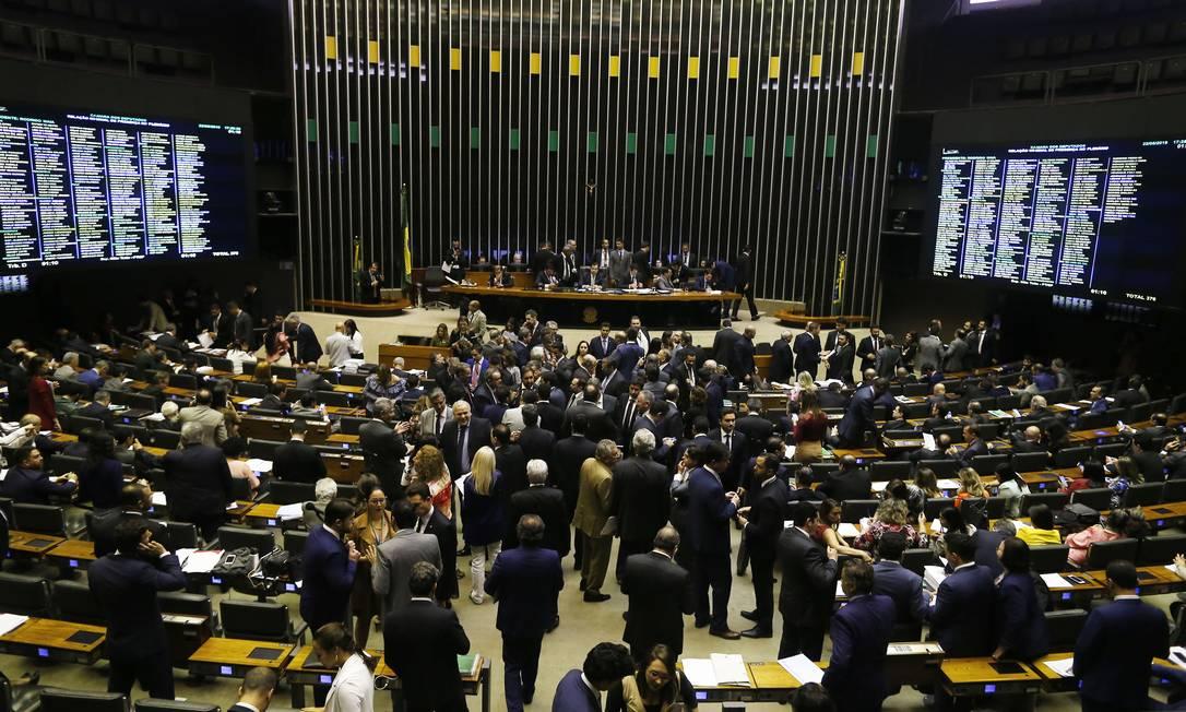 Sessão de votação no plenário da Câmara dos Deputados Foto: Jorge William / Agência O Globo