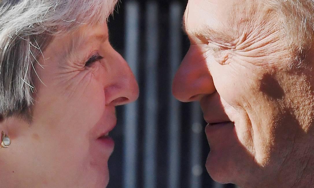A primeira-ministra da Grã-Bretanha, Theresa May, recebe Donald Tusk, presidente do Conselho Europeu, em Downing Street, 10, Londres, Grã-Bretanha, em junho de 2018 Foto: Toby Melville / REUTERS