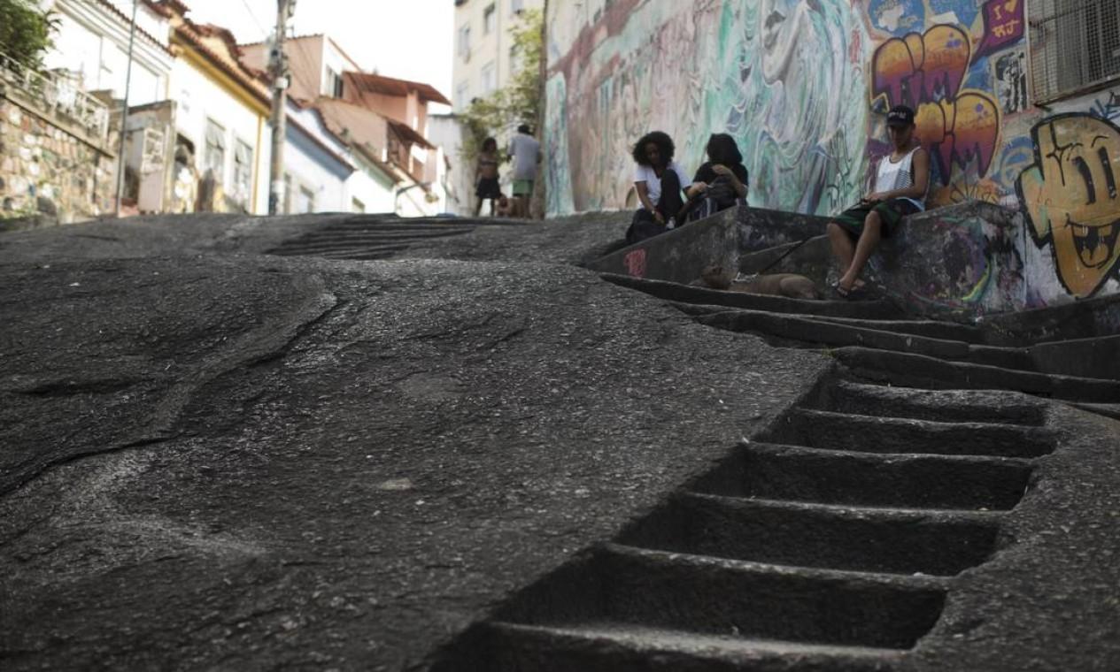 A Pedra do Sal, símbolo de nascimento do samba, lozalizada no bairro da Saúde, também integra o território compreendido como Pequena África Foto: Márcia Foletto / Agência O Globo