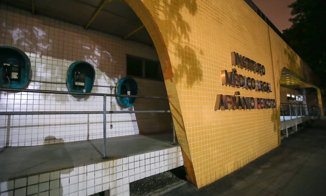 Segundo especialistas da DGPTC, falta refrigeração nas salas, substâncias altamente inflamáveis estão guardadas sob temperaturas elevadas Foto: Marcelo Regua / Agência O Globo