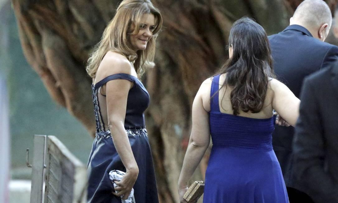 Convidadas chegam ao casamento de Eduardo Bolsonaro e Heloísa Wolf Foto: Gabriel de Paiva / Agência O Globo