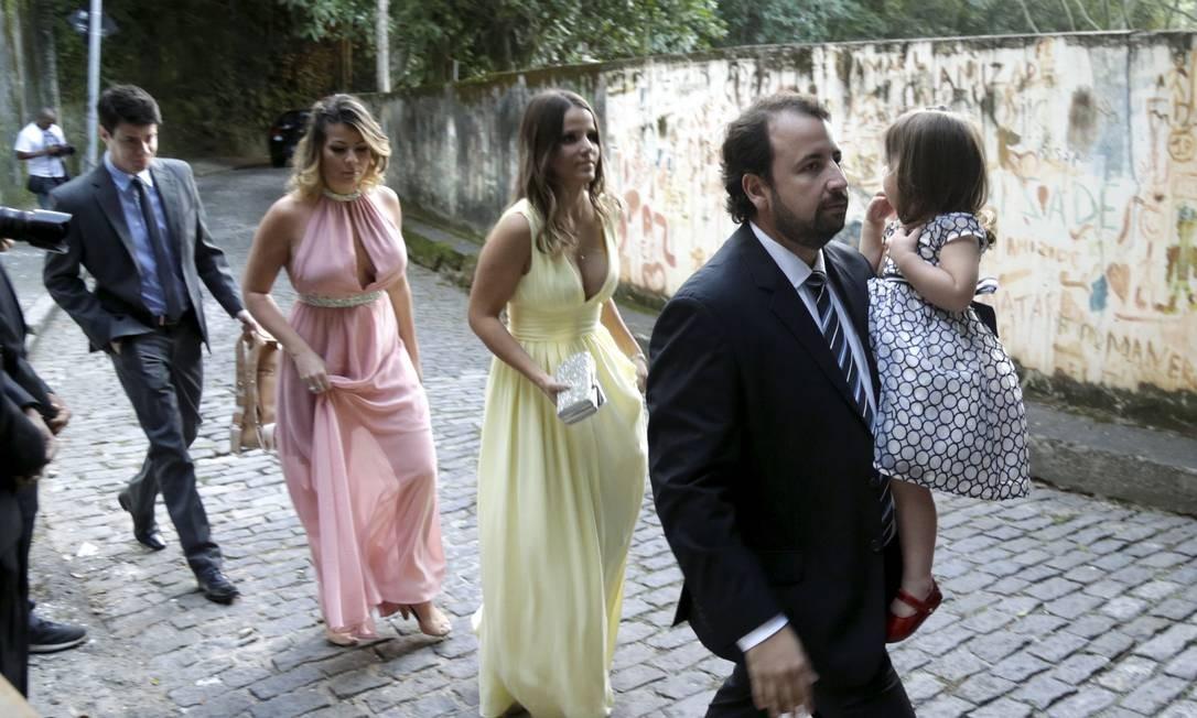 Convidados chegam ao casamento de Eduardo Bolsonaro e Heloísa Wolf Foto: Gabriel de Paiva / Agência O Globo