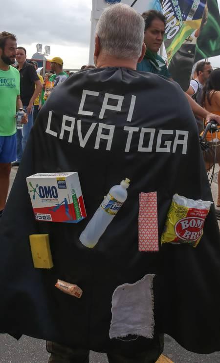 """Entre as bandeiras defendidas na manifestação está a """"CPI da Lava Toga"""", com o propósito de investigar, entre outros temas, a atuação de ministros do STF Foto: Marcelo Regua / Agência O Globo"""
