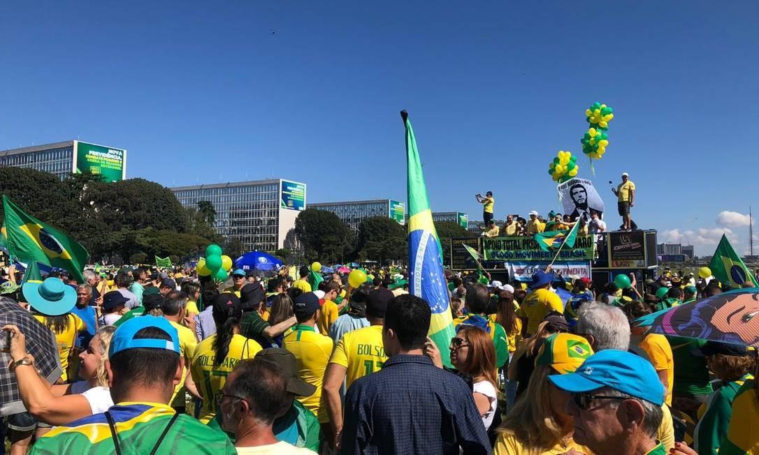 Manifestantes fizeram passeata na Esplanada dos Ministérios em Brasília Foto: Daniel Marenco / Daniel Marenco