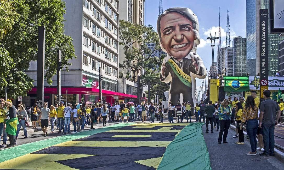 Apoiadores do presidente Jair Bolsonaro ocuparam a Avenida Paulista, em São Paulo Foto: Agência O Globo