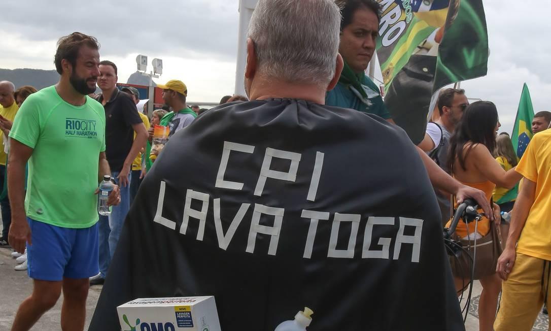 Rio de Janeiro 26/05/2019 Manifestação pro Bolsonaro na praia de Copacabana. Foto Marcelo Regua / Agência O Globo Foto: Marcelo Regua / Agência O Globo