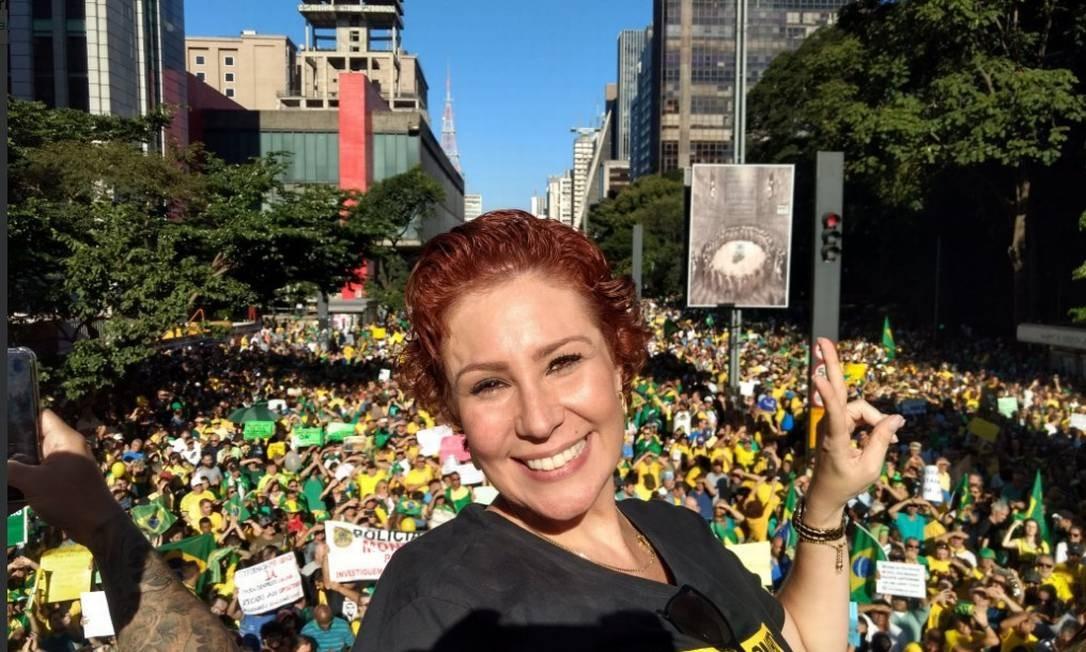 A deputada Carla Zambelli, em manifestação na Paulista Foto: Reprodução / Twitter