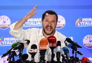 Matteo Salvini celebra o resultado obtido nas eleições para o Parlamento Europeu Foto: MIGUEL MEDINA / AFP