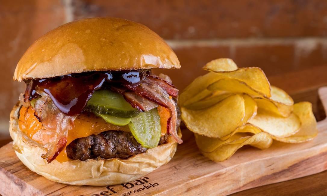 """Beef Bar Escondido: """"Monte Seu Burger"""" Foto: Tomás Rangel / Divulgação"""