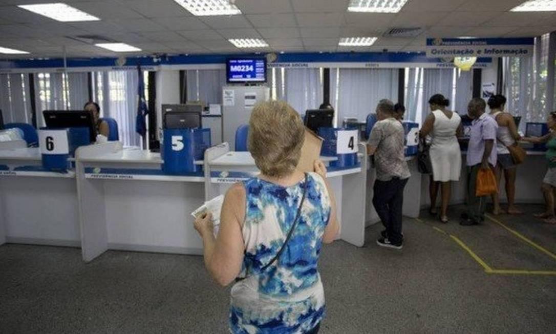 As agências do INSS tambérm fornecem senhas iniciais Foto: / Márcia Foletto / Agência O Globo