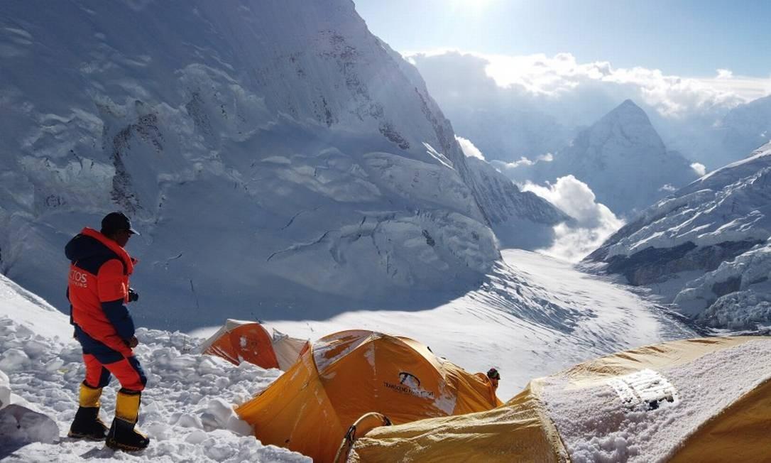 Ao menos 10 pessoas já morreram neste ano durante a escalada Foto: STRINGER / REUTERS
