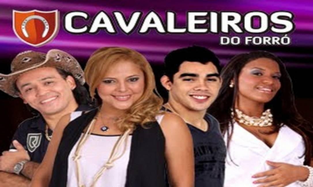 Gabriel Diniz (terceiro a partir da esquerda): entre 2010 e 2011, cantor fez parte da banda Cavaleiros do Forró Foto: Reprodução