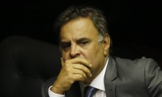 Envolvido em escândalos de corrupção, Aécio Neves é um dos representantes da velha guarda do PSDB que perdeu força dentro do partido Foto: Jorge William / Agência O Globo