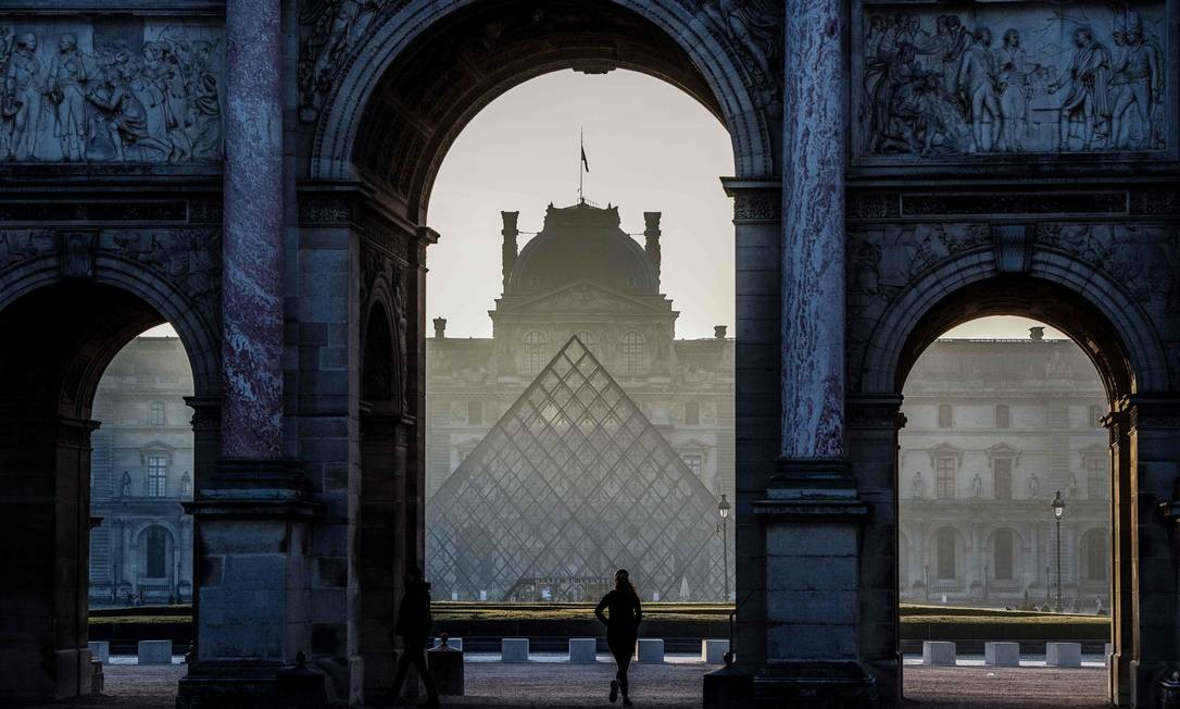 Museu do Louvre Foto: CHRISTOPHE ARCHAMBAULT / AFP