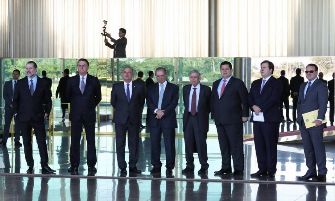 "Encontro de autoridades deu início a conversas sobre o ""pacto entre poderes"" Foto: Marcos Côrrea / Presidência da Repúbica"