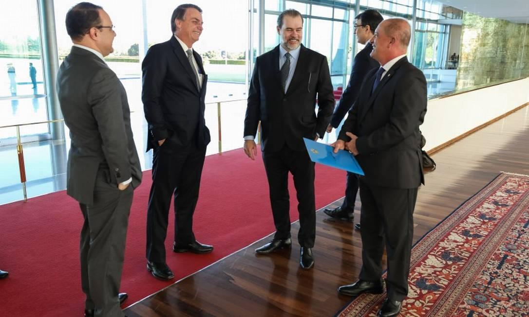 Bolsonaro se reuniu com chefes do Legislativo e do Executivo para debater pacto entre os poderes. Especialistas consideram que a adesão do ministro do STF ao pacto é inadequada Foto: Marcos Corrêa / Presidência da Repúbica