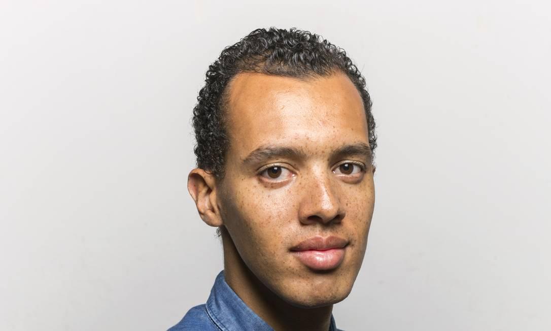 """O rapper e escritor francês Gaël Faye, autor de """"Meu pequeno país"""" (Rádio Londres) Foto: Philippe Nyirimihigo / Divulgação"""