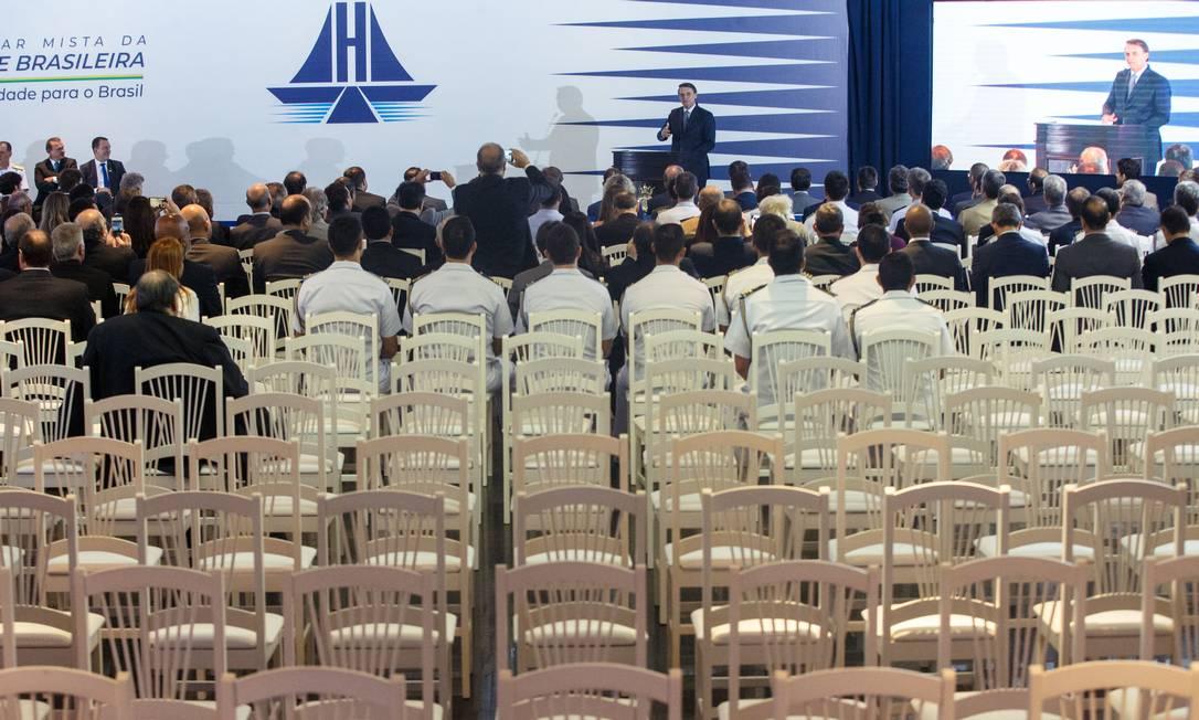 Bolsonaro participa do evento de lançamento da Frente Parlamentar Mista da Marinha Mercante Brasileira, no Clube Naval, em Brasilia Foto: Daniel Marenco / Agência O Globo
